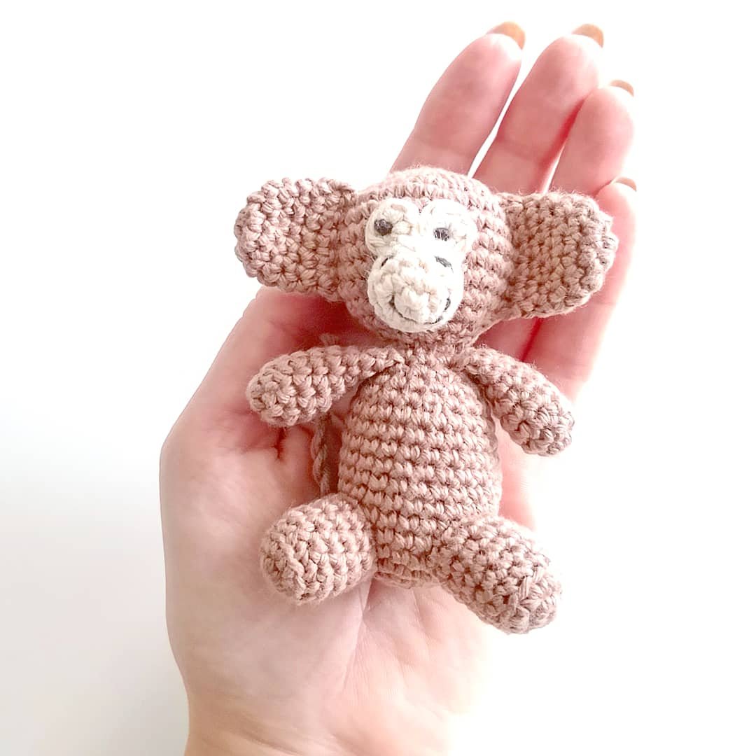 DIY Lille hæklet abe